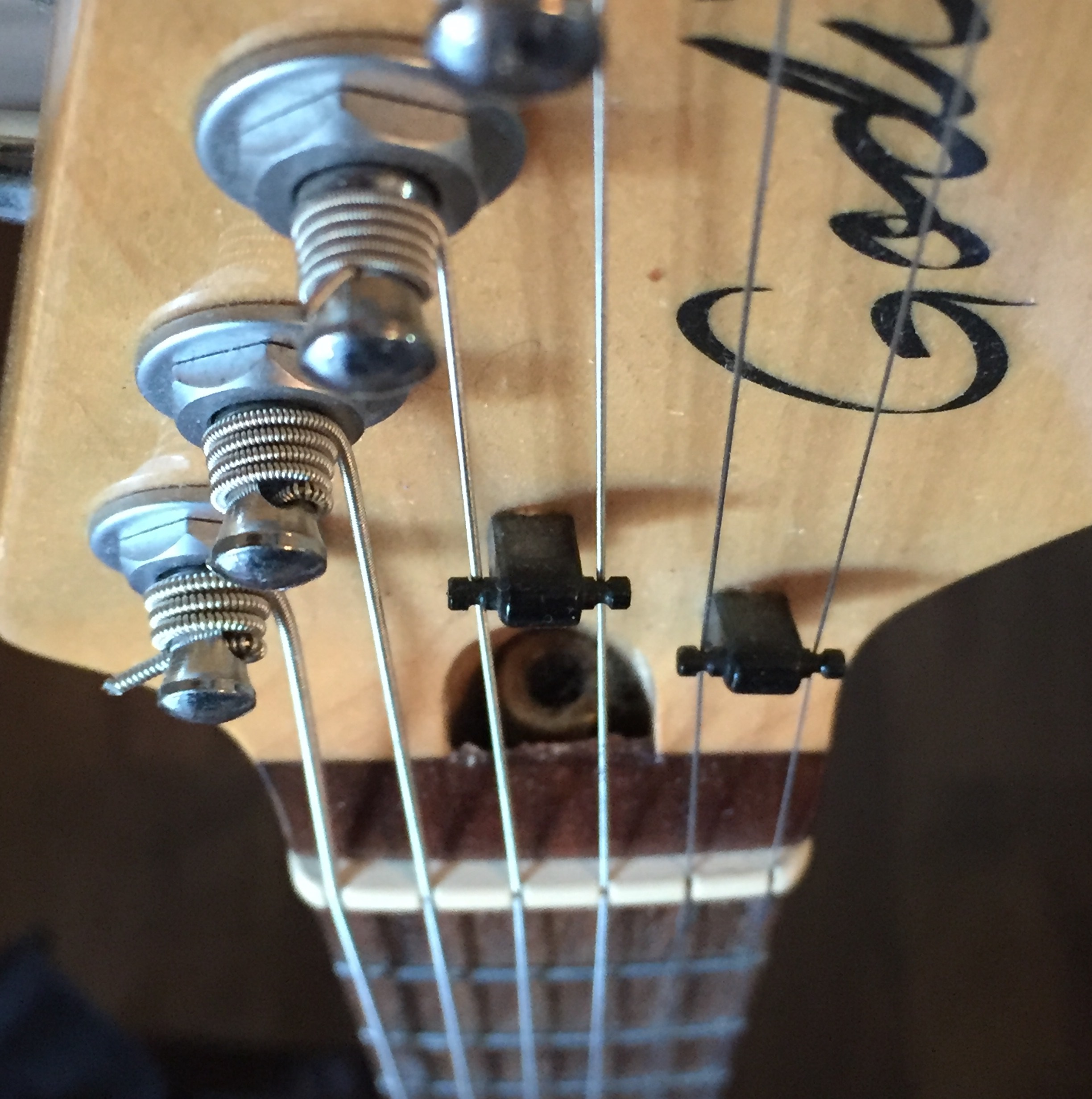 Electric Guitar Truss Rod Location