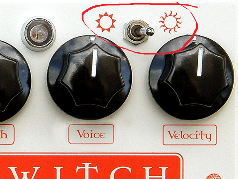 Red Witch Empress Chorus Mode (bright and dark toggle switch)