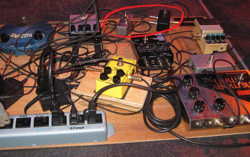 Two AB Switches on Eric Johnson's Pedalboard