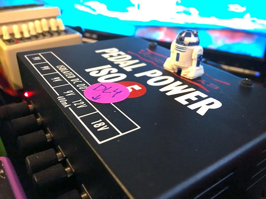 R2-D2 Pedalboard Guard
