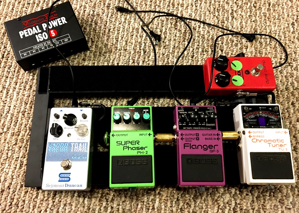 Small-Pedalboard-with-Voodoo-Lab-ISO-5-power-supply