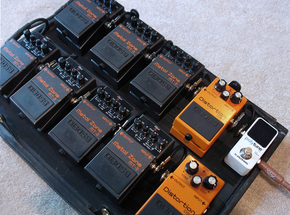 5 modern distortion pedals with a smooth and heavy tone guitar chalk. Black Bedroom Furniture Sets. Home Design Ideas