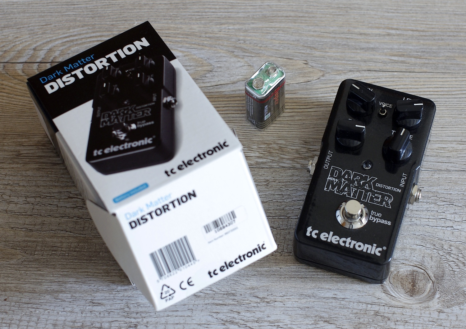 TC Electronic Dark Matter Distortion - What's in the Box
