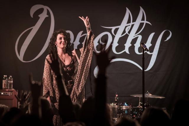 Dorothy Martin Live Shot