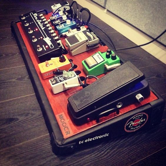 Guitar Pedalboard Setup Idea (black and red board)